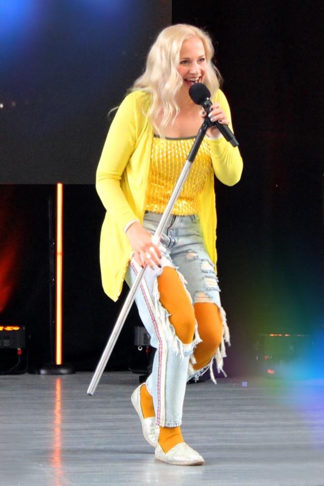 Неделька Олеся певица