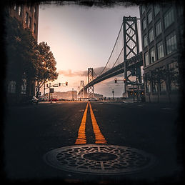 street-scene-view-of-bay-bridge-in-san-f