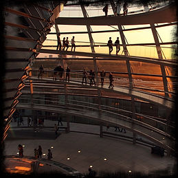 reichstag-cupola-dome-at-sunset-in-berli