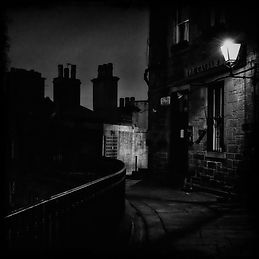 dark-edinburgh-streets-with-chimney-tops-at-night-(credit-hotjar-on-morguefile).JPG