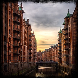 red-brick-buildings-in-speicherstadt-ham
