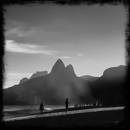 black-and-white-photo-of-ipanema-beach-in-rio-de-janeiro-brazil-(credit-unsplash-leonardo-