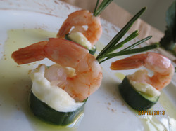 Sushi de pepino com creme cheese     DESTAQUE