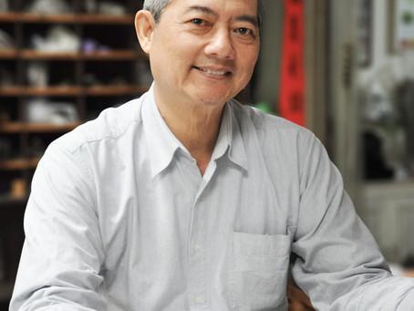 「上友鋼模彫刻工藝社」 東石蔡甫──筆意匠人  證章前輩 開創金屬雕刻新局面