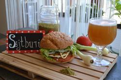 Kecske grill sajt - Sajtburger