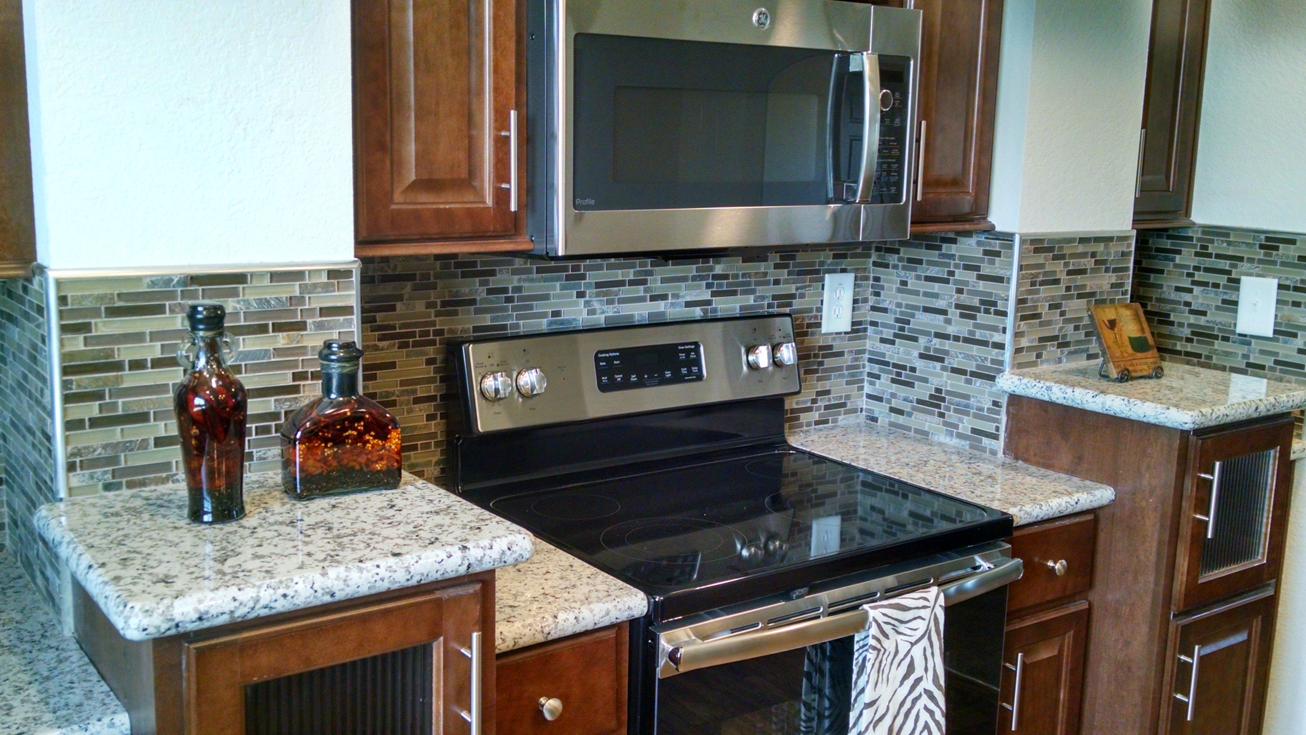 Granite Countertops w/ Mosaic B/S