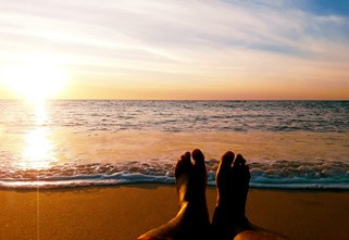 Gearing Up for Summer Heat: How to Protect Your Feet and Avoid the Foot Doctor