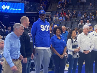 Clarksdale native Earl Barroninducted into Memphis Tigers Hall of Fame