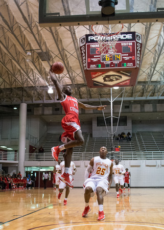 Coahoma County routs MS Palmer during Holiday Tournament