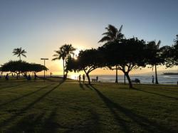 夕日が美しいアラモアナ公園