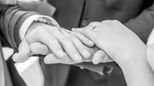 """Votre cérémonie laïque avec """"A Deux Mains Tenant"""""""
