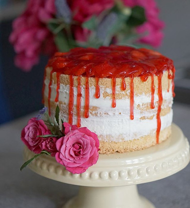 Naked Cake mit Erdbeeren