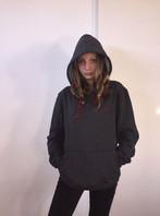 @soofxdb met haar LimitedEdition grijze TravelDudes hoodie