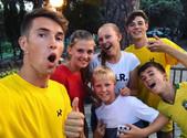 @riannieclaasje met vrienden en Bart en John tijdens ZomerTour 2019