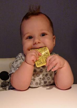 Onze kleinste fan met een TravelDudes visitekaartje