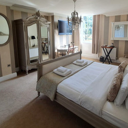 room-9-bedroom-the-retreat-new-forest