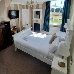 room-10-bedroom-the-retreat-new-forest