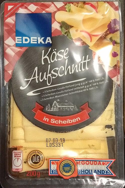 Käseaufschnitt in Scheiben. 200g