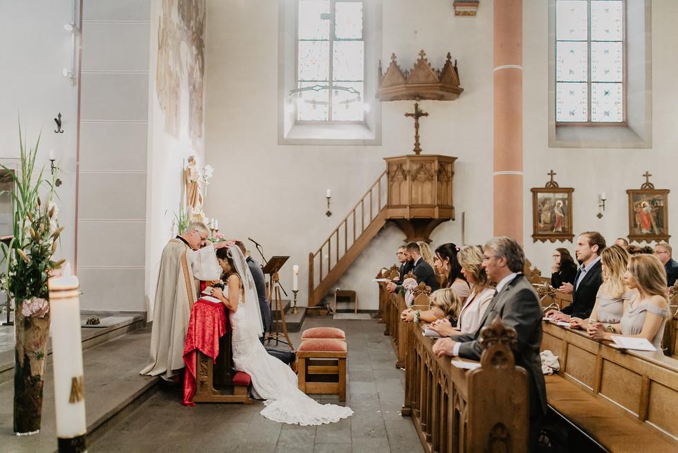 Hochzeitsfotograf_Köln_Bonn_Euskirchen_Burg_Flamersheim35.jpg