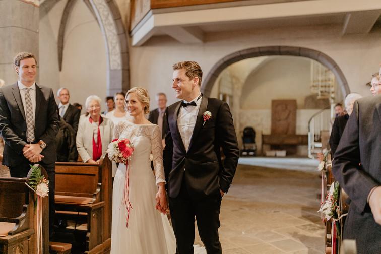 Hochzeitsfotograf_Köln_Bonn_Euskirchen_Mechernich_Burghof_Kommern_47.jpg