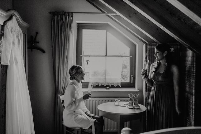 Hochzeitsfotograf_Köln_Bonn_Euskirchen_Mechernich_Burghof_Kommern_07.jpg