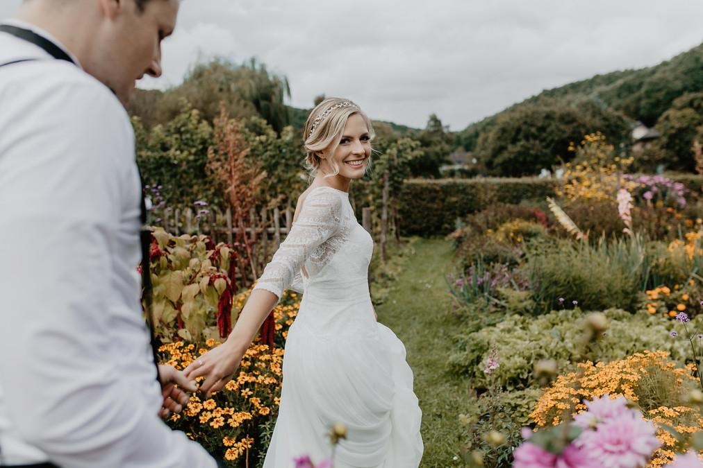 Hochzeitsfotograf_Köln_Bonn_Euskirchen_Mechernich_Burghof_Kommern_42.jpg