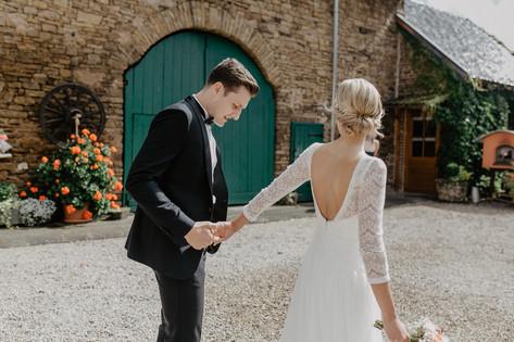 Hochzeitsfotograf_Köln_Bonn_Euskirchen_Mechernich_Burghof_Kommern_18.jpg