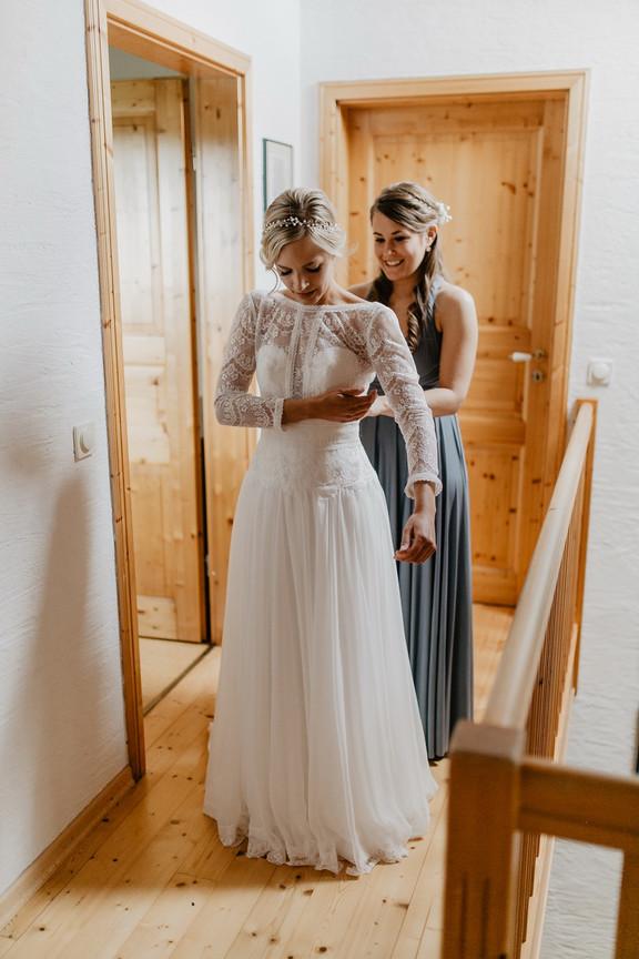 Hochzeitsfotograf_Köln_Bonn_Euskirchen_Mechernich_Burghof_Kommern_08.jpg