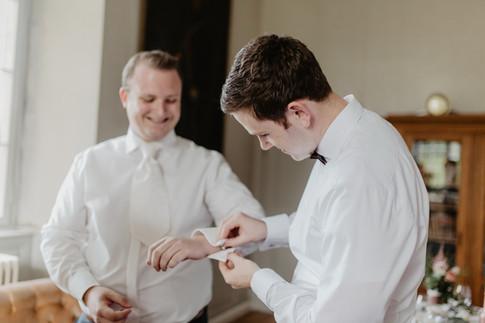 Hochzeitsfotograf_Köln_Bonn_Euskirchen_Burg_Lüftelberg_008.jpg