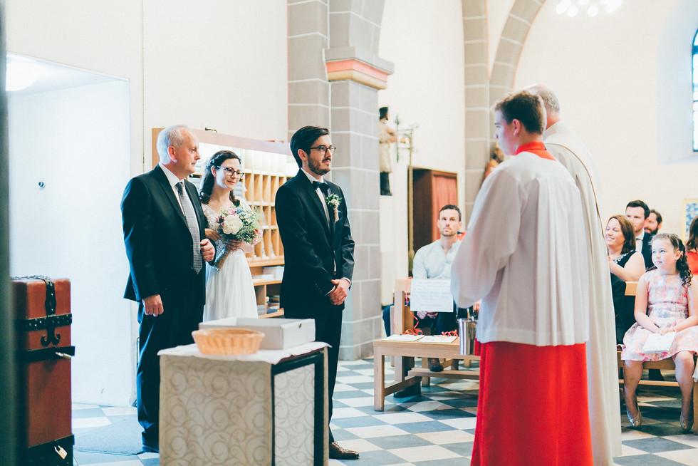 Hochzeitsfotograf_Köln_Bonn_Burg_Heimerzheim_24.jpg