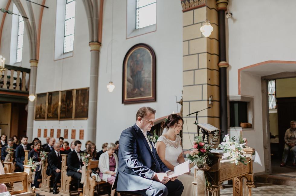 Hochzeitsfotograf_Köln_Bonn_Euskirchen_Burg_Lüftelberg_049.jpg