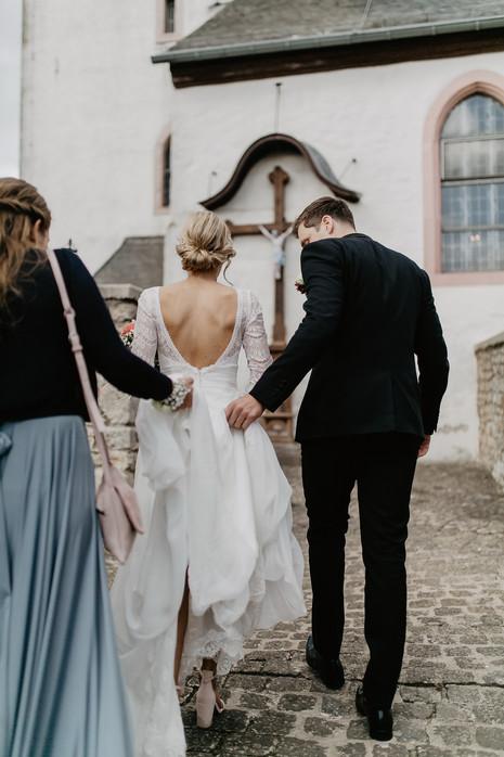 Hochzeitsfotograf_Köln_Bonn_Euskirchen_Mechernich_Burghof_Kommern_45.jpg