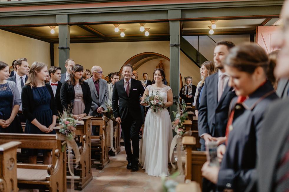 Hochzeitsfotograf_Köln_Bonn_Euskirchen_Burg_Lüftelberg_043.jpg