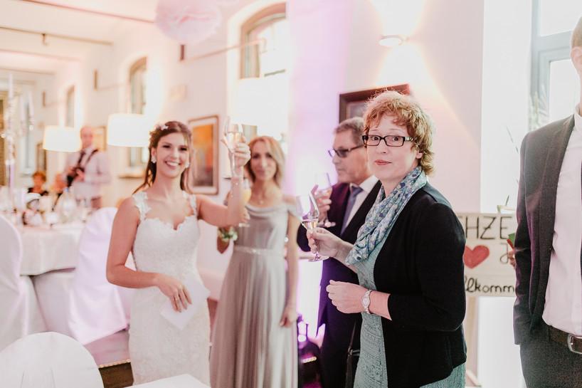 Hochzeitsfotograf_Köln_Bonn_Euskirchen_Burg_Flamersheim46.jpg