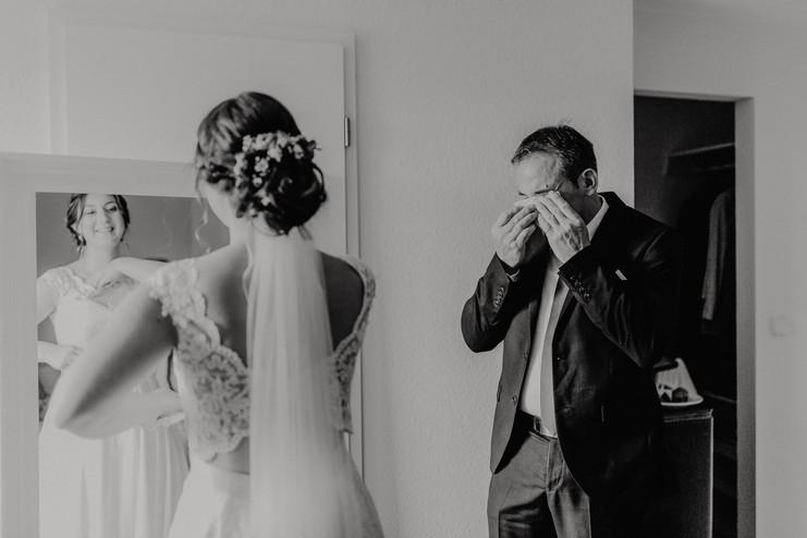 Hochzeitsfotograf_Köln_Bonn_Euskirchen_Burg_Lüftelberg_036.jpg