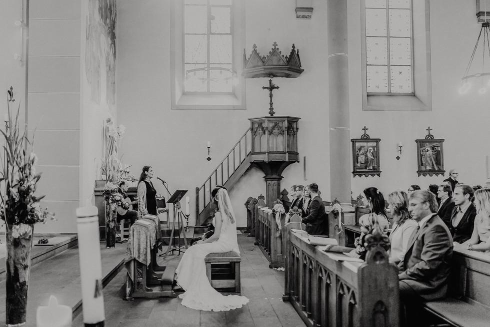 Hochzeitsfotograf_Köln_Bonn_Euskirchen_Burg_Flamersheim34.jpg