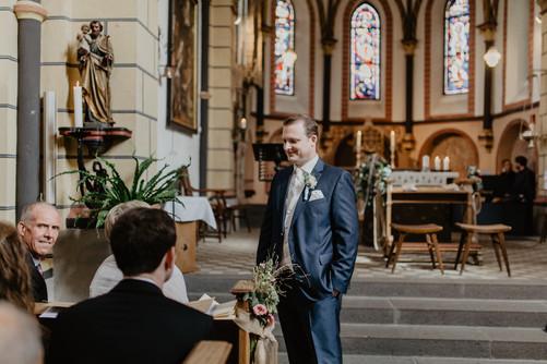 Hochzeitsfotograf_Köln_Bonn_Euskirchen_Burg_Lüftelberg_038.jpg