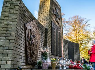 Zaduszkowe Spotkanie na cmentarzu Kingston.