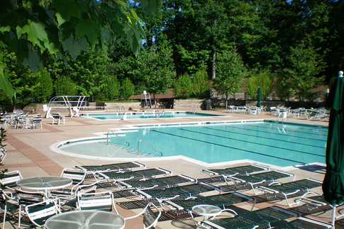 Relax in the pool in the summer months!