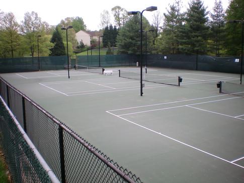 Enjoy tennis courts!