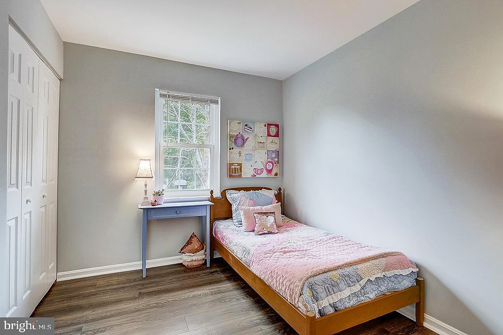 pink_bedroom_mls_us.jpg