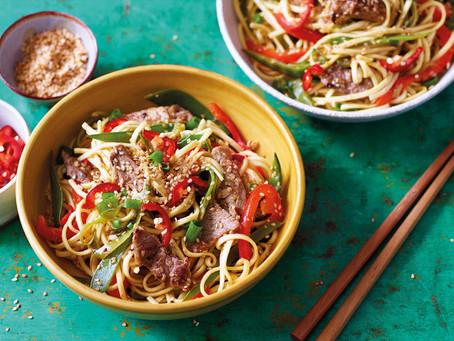 Stir-fried pork with noodles recipe