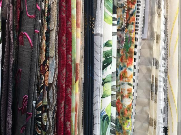 Choix de tissus en boutique