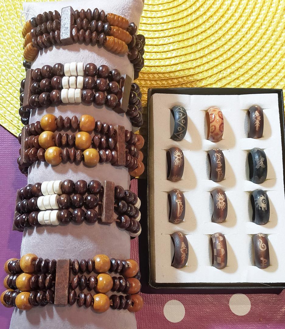Bracelet et bague en bois