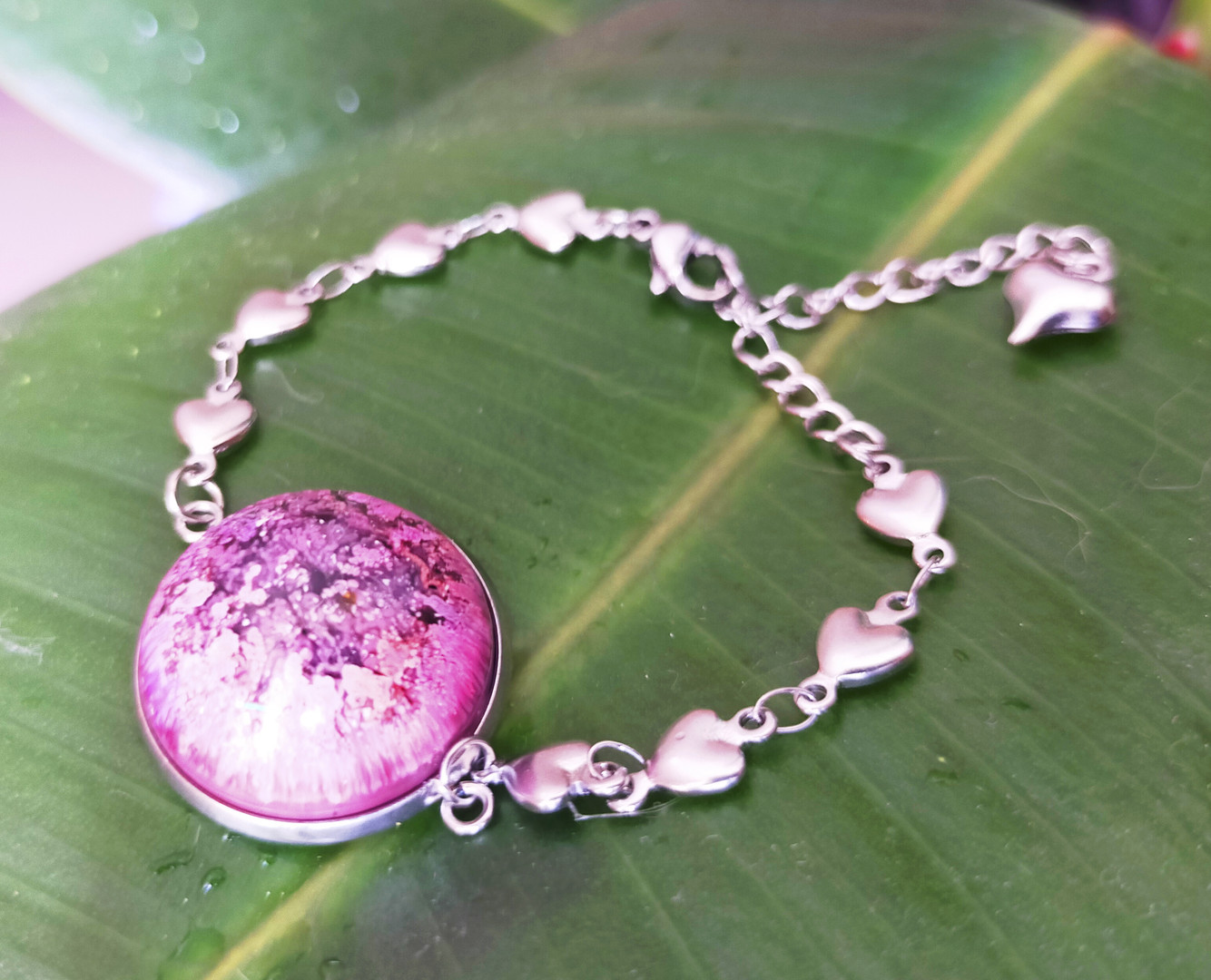 Bracelet demi-sphère en résine et encres