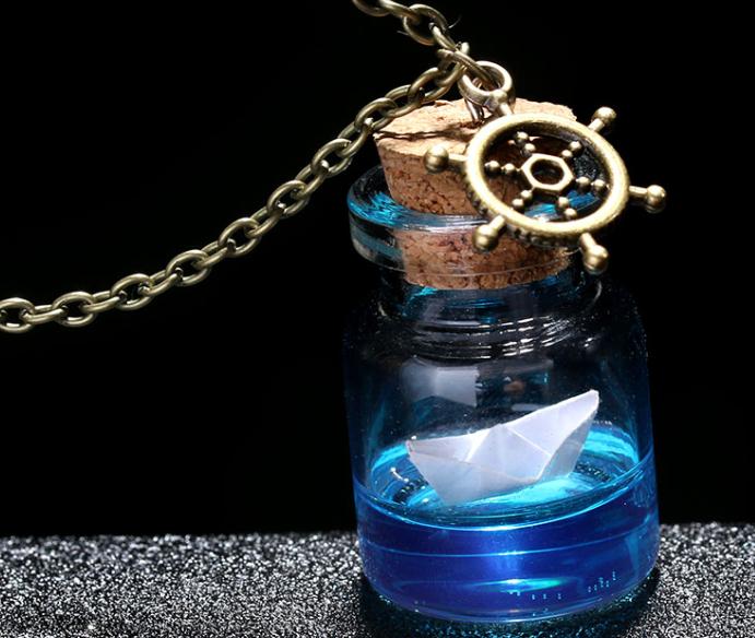 Collier bouteille océan