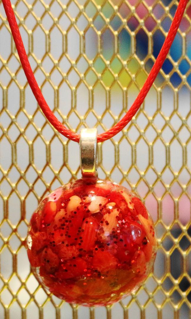 Demi-sphère pierres naturelles rouge