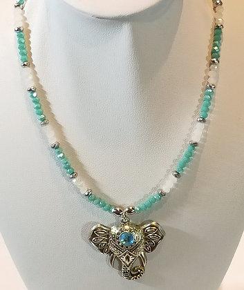 Tour de cou perles à facettes blanc/turquoise éléphant argenté