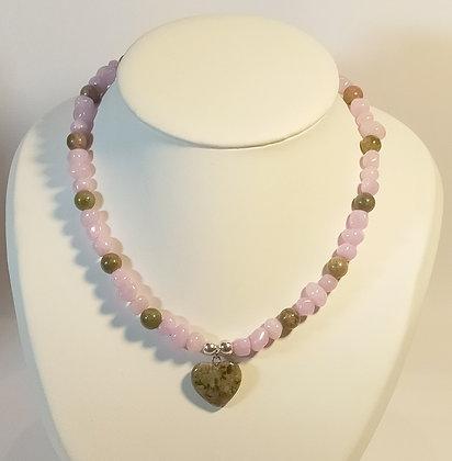Collier en Unakite/perles naturelles mauve cœur