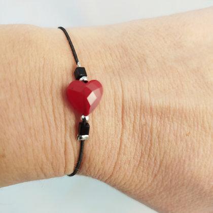 Bracelet élastique argenté/noir/cœur facetté rouge
